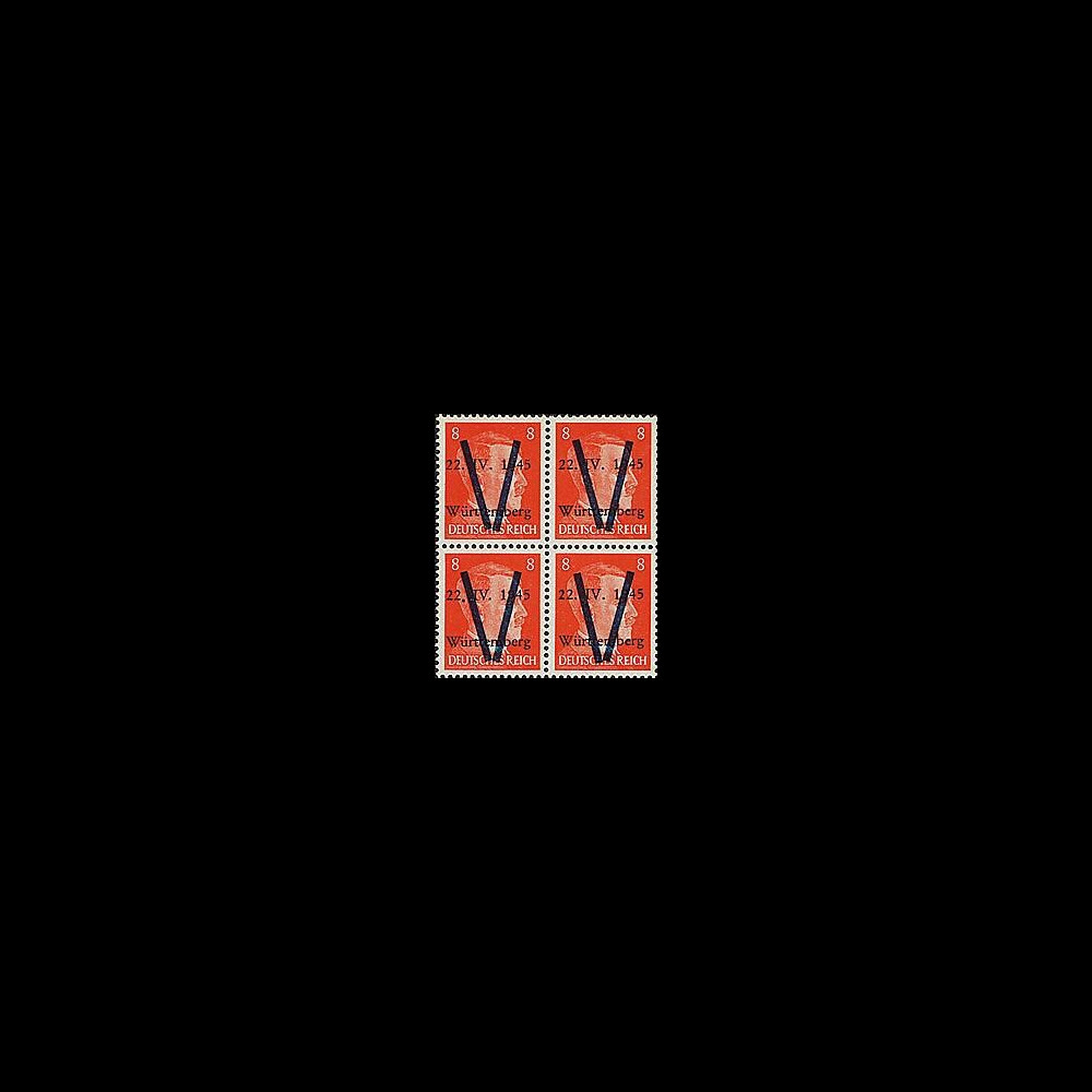 LIB-W8 B4 : 1945 - Bloc de 4 TP 8Pf 'Hitler' surcharges 'V' normales